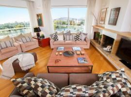 Athens luxurious apartment - sea view!, hotel near Flisvos Marina, Athens