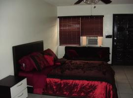 Newly Furnished Large Clean Quiet Private Unit, apartment in Fort Lauderdale