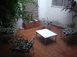 Hotel Marlis, hotel in Posadas