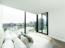Melbourne Private Apartments - Collins Wharf Waterfront, Docklands, apartment in Melbourne