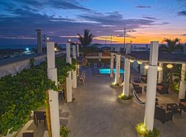 Hotel La Ría Playas, hotel em Playas