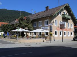 Landgasthof Kirchmayer, pet-friendly hotel in Farchant