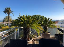 Gorgeous one-bedroom apartment with terrace and sea view -StayInAntibes- Bijou Plage, hotel with pools in Antibes
