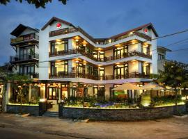 Threeway Riverside Villa, hotel in Hoi An
