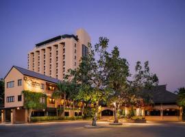 ฮอลิเดย์การ์เด้น โฮเทลแอนด์รีสอร์ท โรงแรมใกล้ มหาวิทยาลัยเชียงใหม่ ในเชียงใหม่