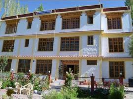 Hotel Galaxy Ladakh, hotel in Leh