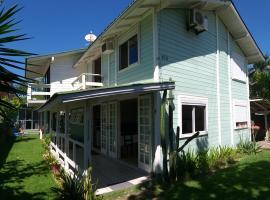 Pousada Paraíso da Armação, guest house in Florianópolis