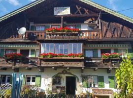 Gästehaus Angela, guest house in Garmisch-Partenkirchen