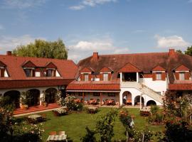 Hotel Weingut Rosenhof, hotel in Illmitz