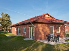 Simplistic Holiday Home in Zierow with Garden, villa in Zierow
