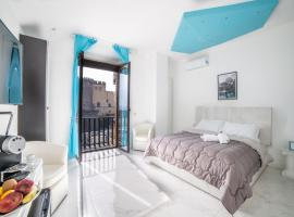 Tiffany's Luxury Resort, apartment in Naples