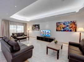 J5 Four Bedroom Villa Holiday home in Mirdif, hotel near Posh Paws Animal Sanctuary, Dubai