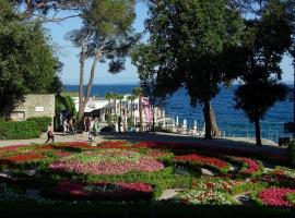 Apt Tennis Prime Location, parking, near beach, self check-in, luxury hotel in Opatija