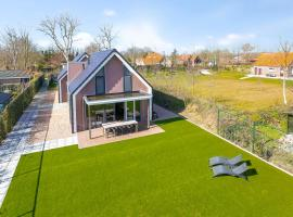 Villa Mastlo 2x 10 persons Ouddorp large garden, 1500 meters to the dunes and beach - ONLY VILLA B HAS A JACUZZI, EXTRA COSTS APPLICABLE - not for companies, villa in Ouddorp