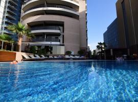 Majestic City Retreat Hotel ( Formerly Majestic Hotel Tower), hotel in Dubai