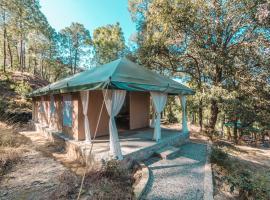 Nayalap - Rural Himalayan Glamping, luxury tent in Shitlakhet