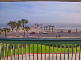 Book now - Beach Open! #303- Sandy Sea Shores Solace, vacation rental in Galveston