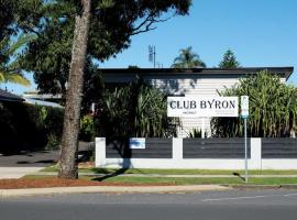 Club Byron Accommodation, villa in Byron Bay