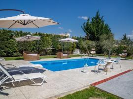 The Orange Garden, pet-friendly hotel in Nafplio
