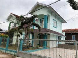 GIISCA FAMILY VILLA, villa in Pacet