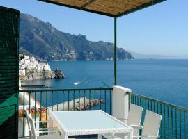 Amalfi Blue FLowers B, apartment in Amalfi
