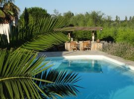 AIGUES MARINES, hotel in Aigues-Mortes