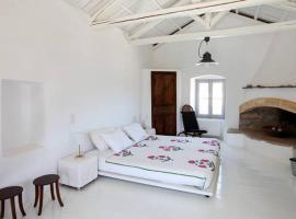 Luxurious Residence in village, hotel near Kithira Island National Airport Alexandros Aristotelous Onassis - KIT,