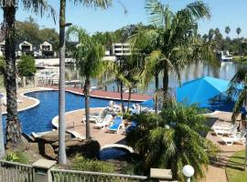 Cypress Waterview Spa Apartment - 37B, hotel in Mulwala