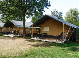 Safaritent at Campingpark de Koekamp, hotel in Epe