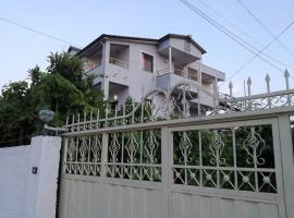 Villa Osmani, country house in Durrës