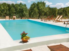 Little Eden Homes, pet-friendly hotel in Agios Nikolaos