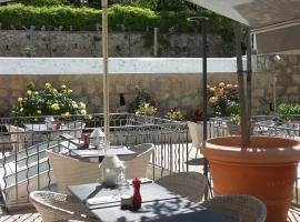 Hôtel La Bonne Auberge, hôtel à Moustiers-Sainte-Marie