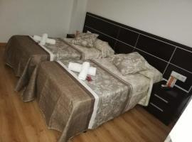 Pension Orois, hotel in Melide