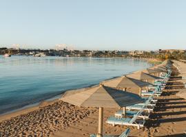 Hotel Novotel Sharm El-Sheikh, готель біля визначного місця Space Sharm, у Шарм-ель-Шейху