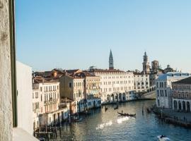 Locanda Ai Santi Apostoli, hotel in Venice