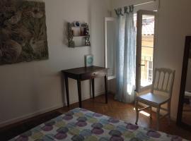 Appartement centre historique Beziers, apartment in Béziers