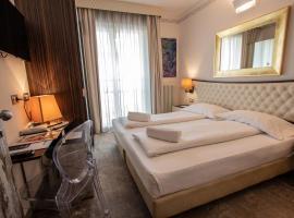 Hotel Corona, hotel in Tirano