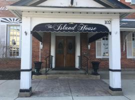 The Island House Hotel, hotel near Cedar Point, Port Clinton
