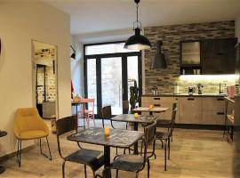 INDUSTRIAL CHIC HOUSE, bed & breakfast a Orvieto