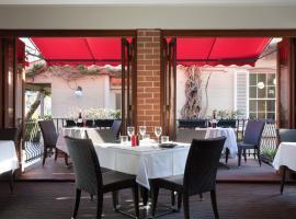 Ramada by Wyndham Brisbane Windsor, hotel near King George Square, Brisbane