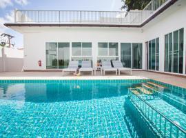 Lux Pool Villas Krabi Ao Nang, villa in Ao Nang Beach