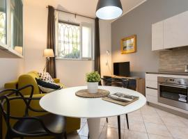 Cozy studio apartment in Milan Downtown, hotel in Milan