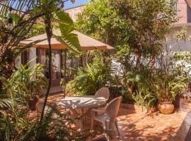 Casa Galeria Alberto Sedas, guest house in Huatusco de Chicuellar