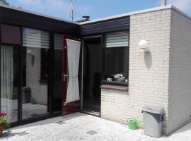 Klepperstee Esdoorn 3, resort in Ouddorp