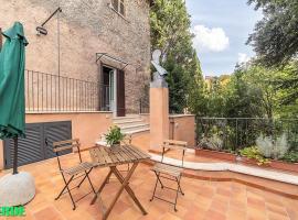 Domus Colonnato su Villa d'Este, hotel in Tivoli