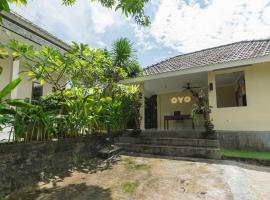 OYO 618 Top Homestay, hotel in Nusa Dua
