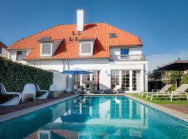 Maison seki, hotel with pools in Knokke-Heist