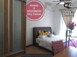 RR1 New Luxury Condo {near KK center & airport}, accessible hotel in Kota Kinabalu
