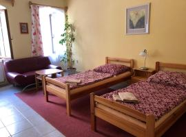 Guest House U Náhonu – hotel w pobliżu miejsca Muzeum Regionalne w Chrudimiu w mieście Chrudim