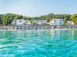 Xenios Dolphin Beach Hotel, hotel din Possidi